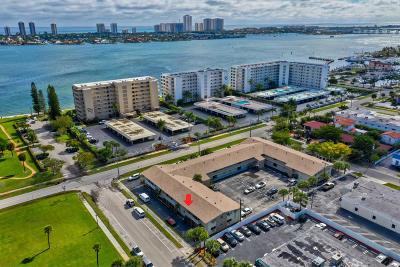 Lake Park Condo For Sale: 510 Lake Shore Drive #5