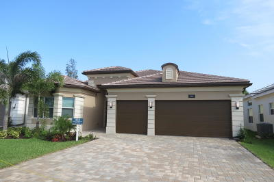 Boynton Beach Single Family Home For Sale: 8210 Pyramid Peak Lane