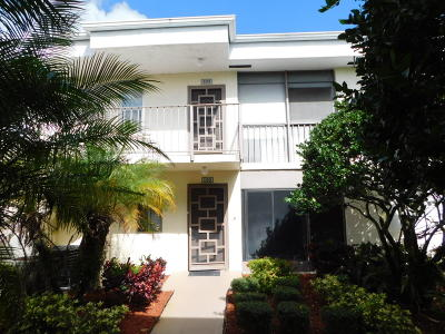 Delray Beach Condo For Sale: 14881 Wedgefield Drive #102