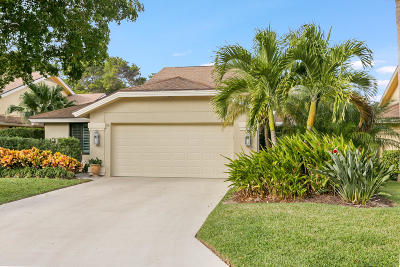 Jupiter Single Family Home For Sale: 115 Knoll Way Way
