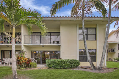 West Palm Beach Condo For Sale: 1495 Lake Crystal Drive #B