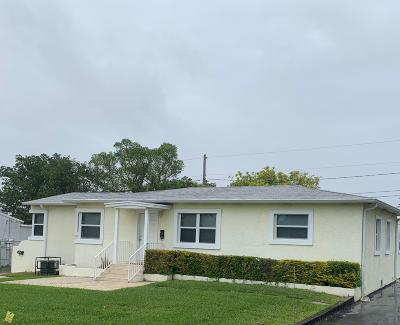 West Palm Beach Multi Family Home For Sale: 4210 W Terrace Drive