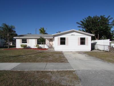 Jensen Beach Single Family Home For Sale: 2972 NE Savannah Road