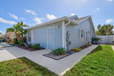 West Palm Beach Single Family Home For Sale: 1734 Royal Forest Court