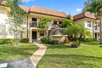 Lake Worth Condo For Sale: 7245 Golf Colony Court #204