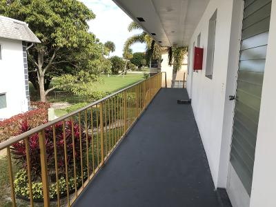 West Palm Beach Condo For Sale: 121 Plymouth O