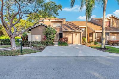 Boca Raton Townhouse For Sale: 22450 Cypress Wood Lane