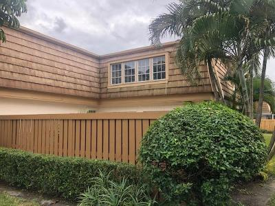 Palm Beach Gardens Townhouse For Auction: 11697 Ficus Street #C