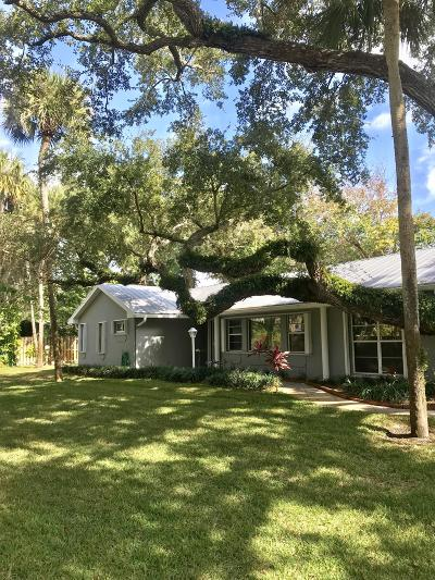 Vero Beach Single Family Home For Sale: 615 Camelia Lane