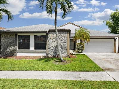 Boca Raton FL Rental For Rent: $2,665