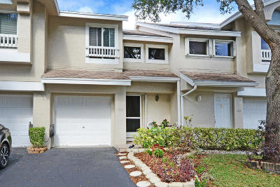 Deerfield Beach Townhouse For Sale: 2161 Discovery Circle W