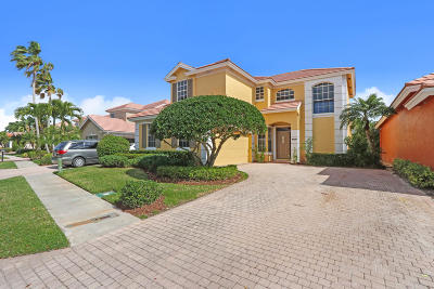 West Palm Beach Single Family Home For Sale: 8320 Heritage Club Drive