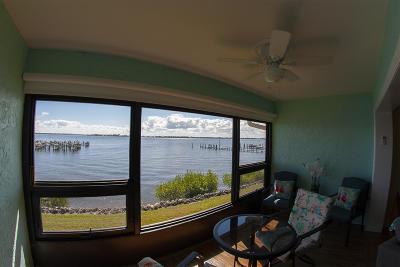 Jensen Beach Condo For Sale: 1600 NE Dixie Highway #5-202