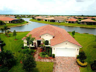 Port Saint Lucie Single Family Home For Sale: 12024 SW Bayberry Avenue
