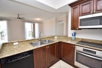 Boynton Beach Condo For Sale: 1690 Renaissance Commons Boulevard #1419