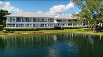 Palm Beach Gardens Condo For Sale: 258 Cypress Point Drive #258