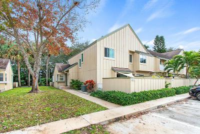 Jupiter FL Townhouse For Sale: $220,000