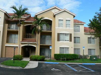 West Palm Beach Condo For Sale: 4115 San Marino Boulevard #305