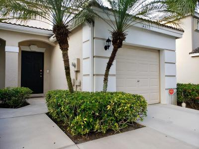 West Palm Beach Townhouse For Sale: 4671 Palmbrooke Circle