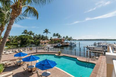 Boynton Beach Townhouse For Sale: 104 Harbors Way
