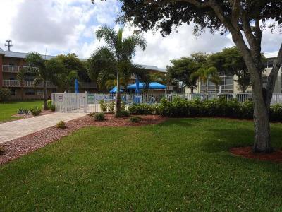 Boca Raton Condo For Sale: 9872 Marina Boulevard #1414