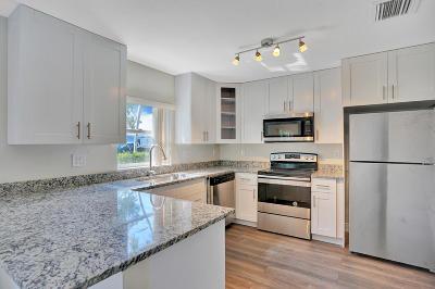 Lake Worth Single Family Home For Sale: 817 Latona Avenue