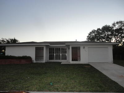 Port Saint Lucie Single Family Home For Auction: 855 SE Festivo Court