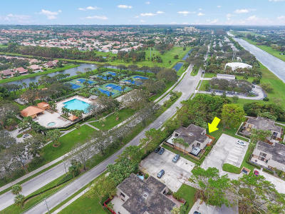 West Palm Beach Townhouse For Sale: 6613 66th Way