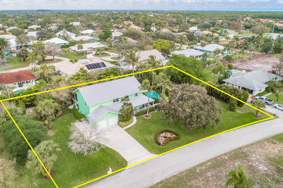 Hobe Sound Single Family Home Contingent: 8445 SE Bayberry Terrace