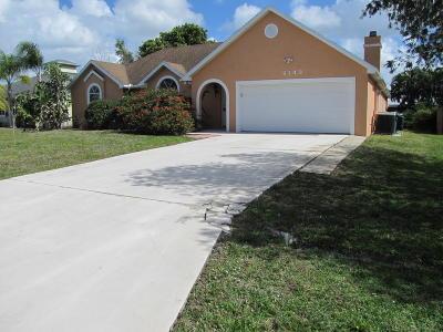 Port Saint Lucie Single Family Home For Sale: 2143 SE Stargrass Street