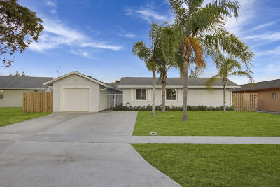 Royal Palm Beach Single Family Home Contingent: 1342 Carousel Way
