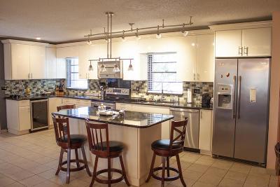 Port Saint Lucie Single Family Home For Sale: 798 SE Damask Avenue