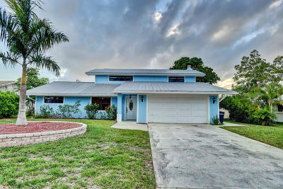 Martin County Single Family Home For Sale: 1239 SW Dyer Point Road