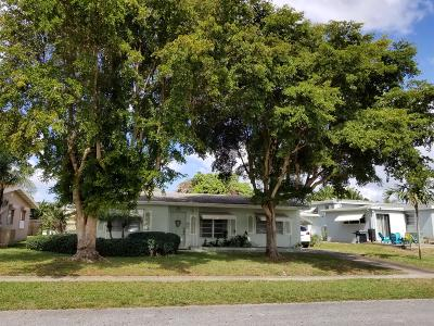 Lake Worth Single Family Home For Sale: 1512 Lee Court
