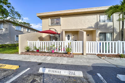 Margate FL Townhouse For Sale: $229,900