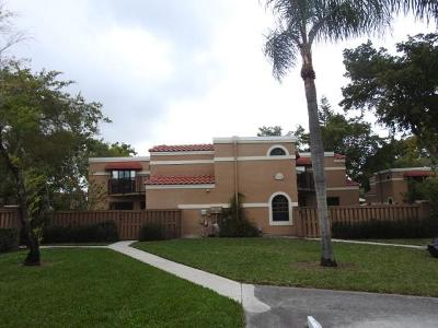 Boca Raton Townhouse For Auction: 8189 Thames Boulevard #C