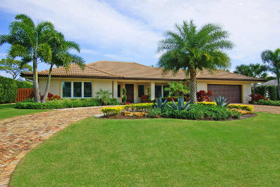 Tequesta Single Family Home For Sale: 210 Golfview Drive
