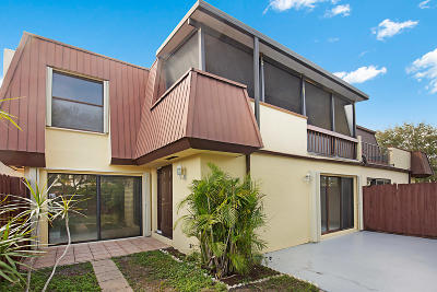 Palm Beach Gardens Townhouse For Sale: 3524 Gardens East Drive #A