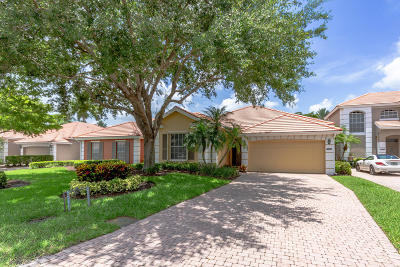 West Palm Beach Single Family Home For Sale: 8337 Heritage Club E