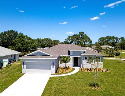 Port Saint Lucie Single Family Home For Sale: 321 SW Buzby Court