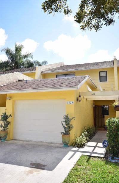 West Palm Beach FL Townhouse For Sale: $185,000