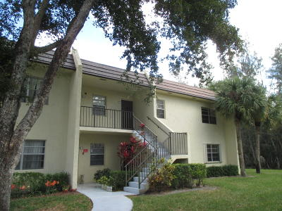 West Palm Beach Condo For Sale: 140 Lake Meryl Drive #140