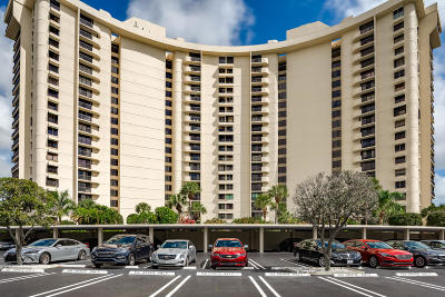 West Palm Beach Condo For Sale: 2480 Presidential Way #1403