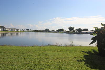 Leisureville, Palm Beach Leisureville Condo For Sale: 1118 Lake Terrace #208