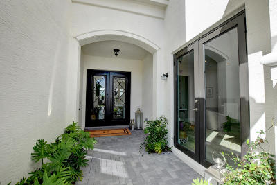 Delray Beach Single Family Home For Sale: 16323 Pantheon Pass