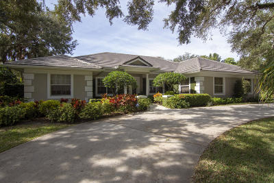 Vero Beach Single Family Home For Sale: 8715 Seacrest Drive