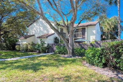 Coconut Creek Townhouse Contingent: 3669 Cocoplum Circle