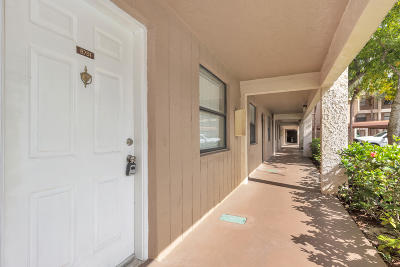 Coral Springs Condo For Sale: 8751 Shadow Wood Boulevard #102