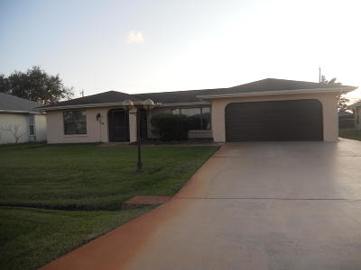Port Saint Lucie Single Family Home For Sale: 834 SE Quiescent Lane