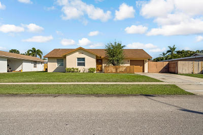 Royal Palm Beach Single Family Home Contingent: 10419 Pippin Lane